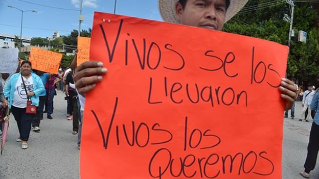 ayotzinapa-marcha-chilpancingo